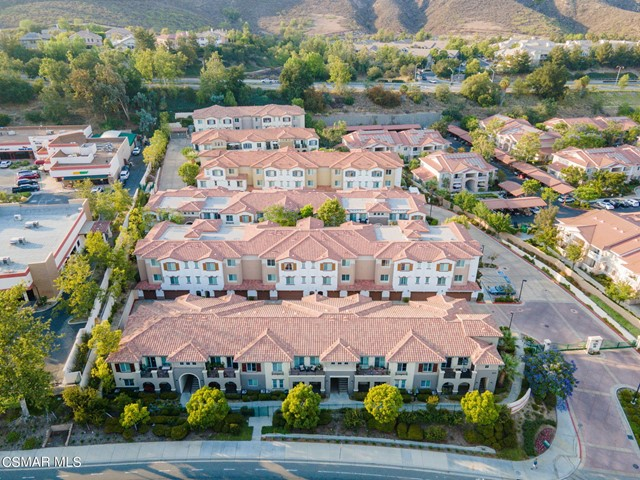 56. 461 Country Club Drive #111 Simi Valley, CA 93065