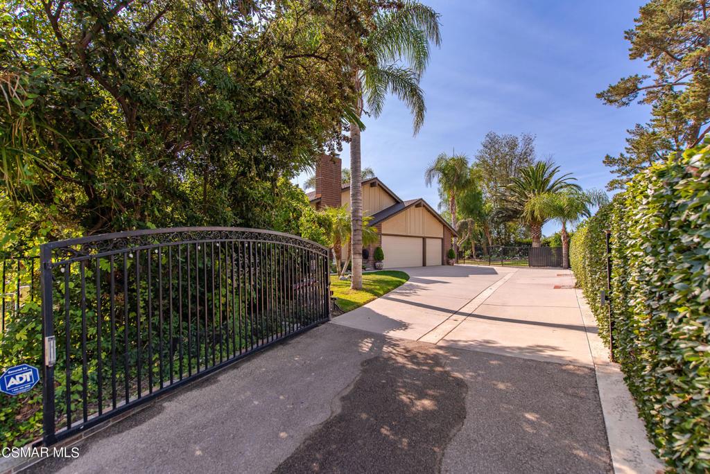 2068     Mccrea Road, Thousand Oaks CA 91362