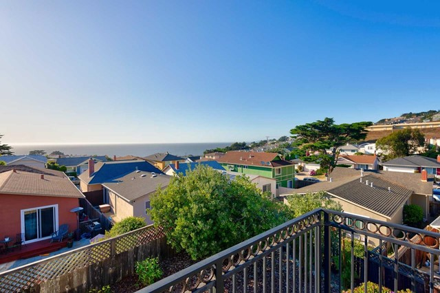 17 Moon Gate Court, Pacifica, CA 94044