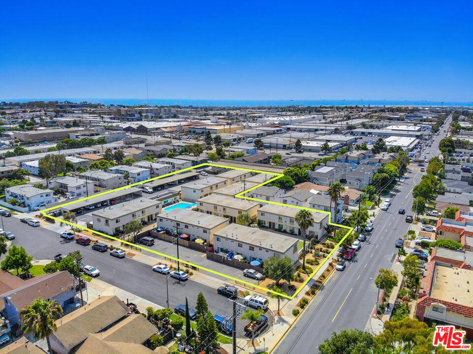 Photo of 755 W 18th Street, Costa Mesa, CA 92627