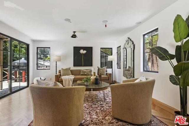 21. 1339 Coronado Terrace Los Angeles, CA 90026