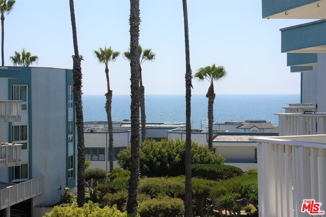 610 The Village 305, Redondo Beach, CA 90277