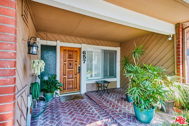 657 W Glenwood Drive Fullerton, CA 92832