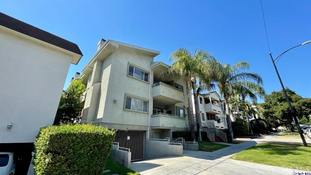 621 E Olive Avenue 104, Burbank, CA 91501