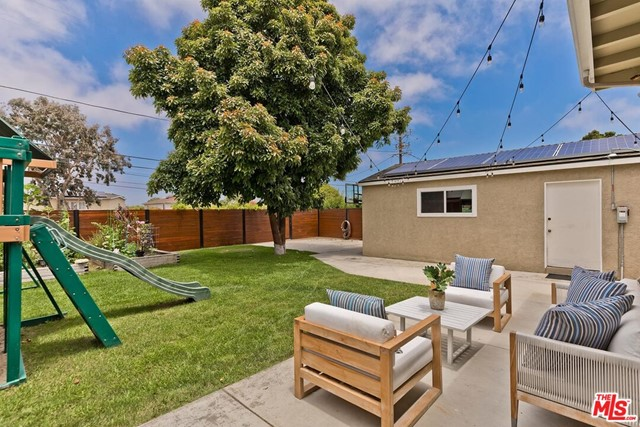 39. 6101 W 83rd Place Place Los Angeles, CA 90045