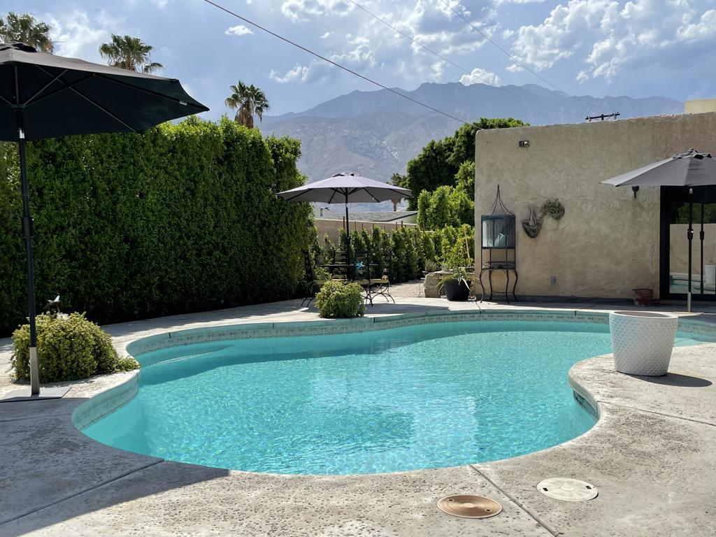 2303   E Hudson Road, Palm Springs CA 92262