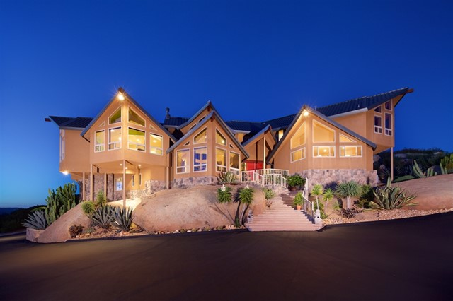 19250 Highland Hills Dr, Ramona, CA 92065