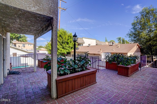 37. 1304 Stanley Avenue #8 Glendale, CA 91206