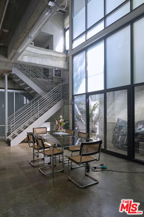 1100 S Grand Avenue, Los Angeles CA: https://media.crmls.org/mediaz/1706C6EE-C5D9-4CC9-9EDC-3358D9BD5097.jpg