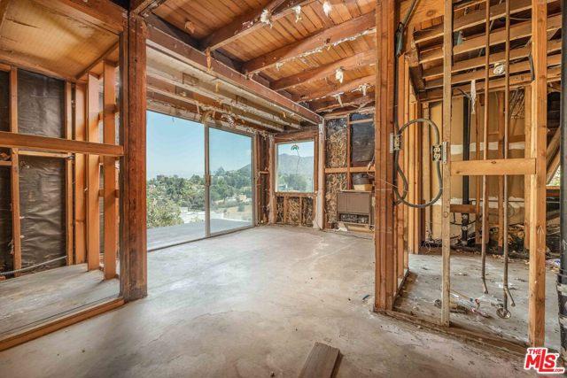 8. 6850 Cahuenga Park Trail Hollywood, CA 90068
