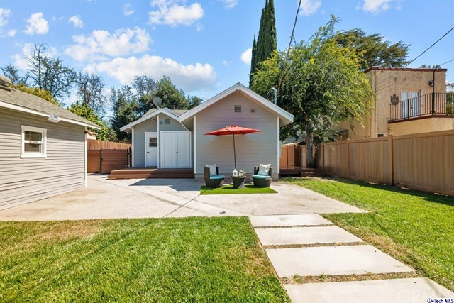 13. 11101 Sarah Street North Hollywood, CA 91602