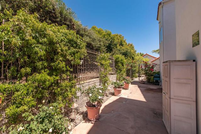 6950 Calle Dia Camarillo, CA 93012