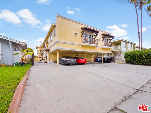 1445 S HAYWORTH Avenue, Los Angeles, CA 90035