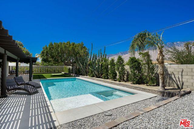 Image 16 of 1815 N Viminal Rd, Palm Springs, CA 92262