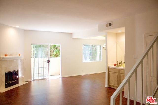 5240 N Vantage Avenue 106, Valley Village, CA 91607