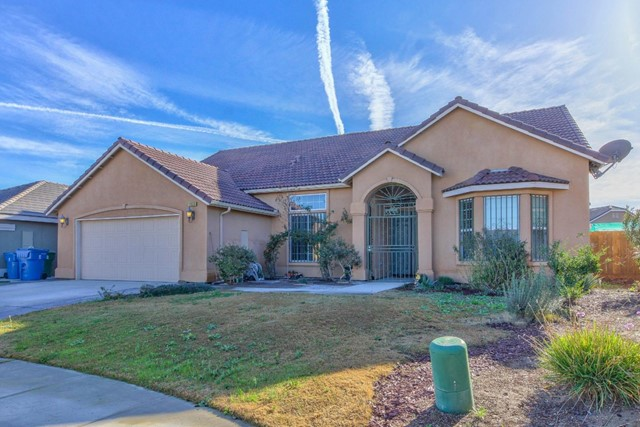 1523 Sherwood Court, Los Banos, CA 93635