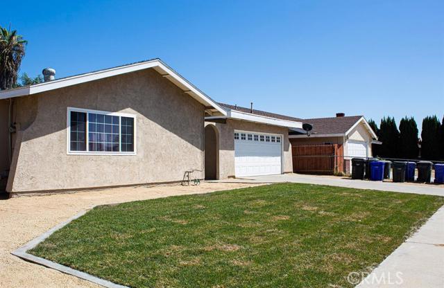 8989 Rosecrest Lane, Fontana, CA 92335