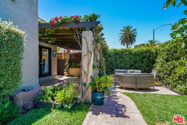 750 N Curson Avenue Los Angeles, CA 90046
