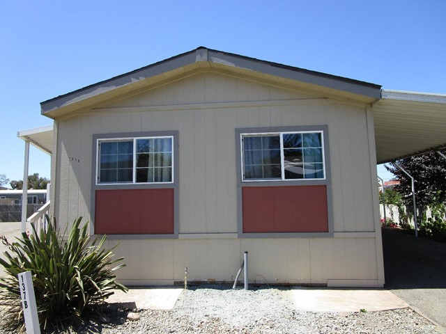 20 Russell Road 137, Salinas, CA 93906