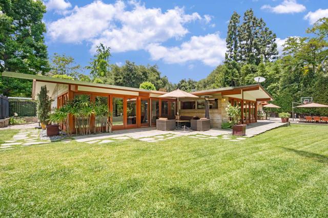 1395 El Mirador Drive, Pasadena, CA 91103