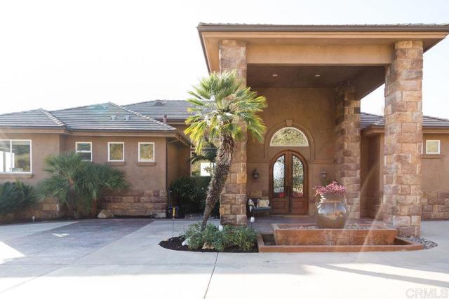 9124 Shadow Hill Rd., Santee, CA 92071