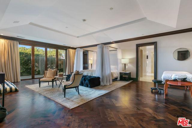 417 Paseo De La Playa, Redondo Beach, California 90277, 5 Bedrooms Bedrooms, ,5 BathroomsBathrooms,For Sale,Paseo De La Playa,21701076
