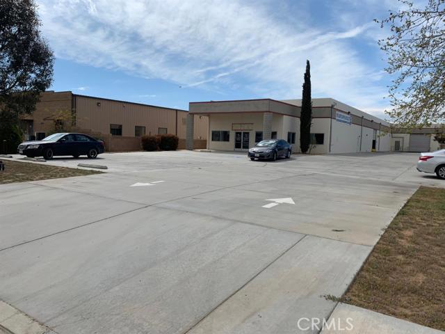 13399 Malaki Road, Apple Valley, CA 92307