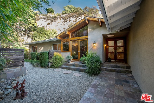 16345 ROYAL HILLS Drive, Encino, CA 91436