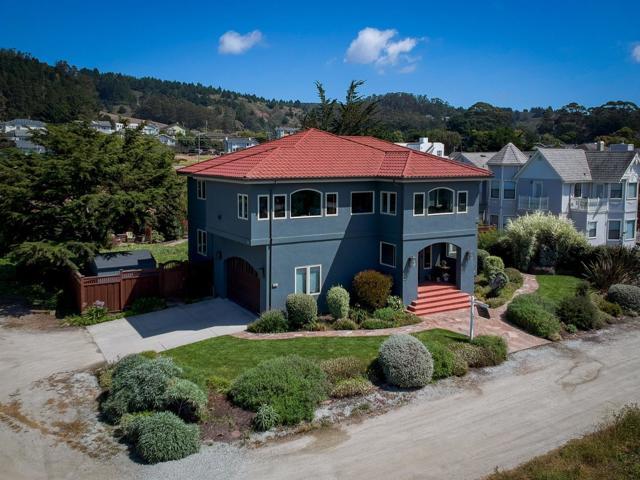 301 Alameda Avenue, Half Moon Bay, CA 94019