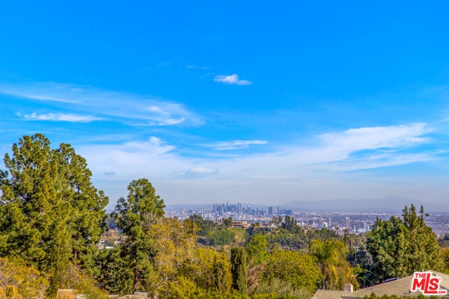 Photo of 10860 VIA VERONA Street, Los Angeles, CA 90077