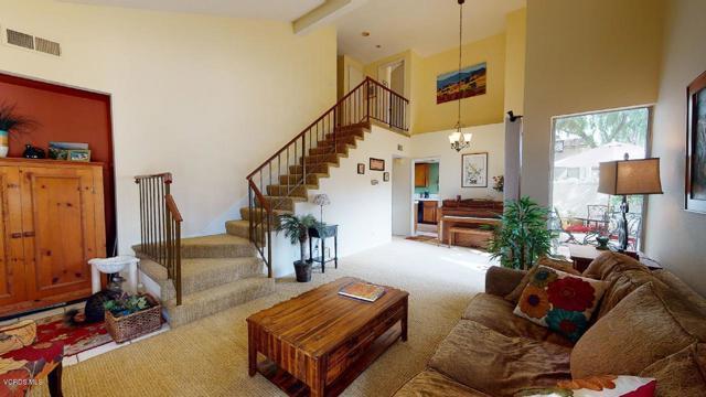 Photo of 930 Quarterhorse Lane, Oak Park, CA 91377
