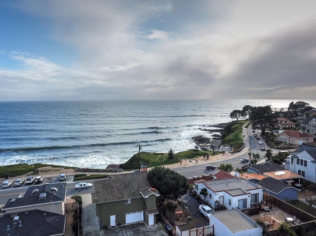 1122 Cliff Drive, Santa Cruz, CA 95060