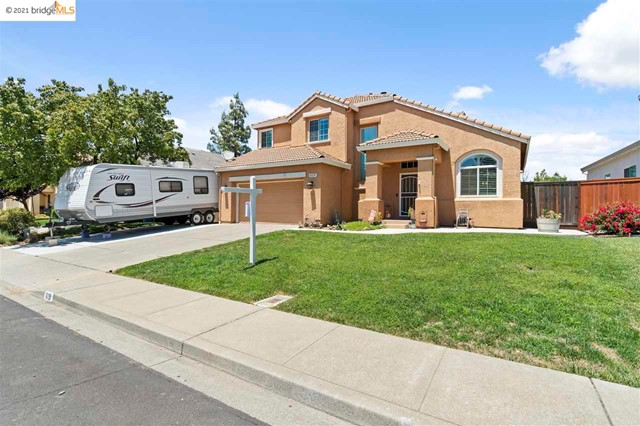2. 619 Edenderry Dr Vacaville, CA 95688
