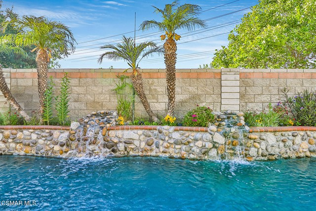 4. 215 Southcrest Place Simi Valley, CA 93065