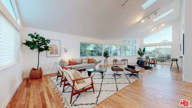 651 Dimmick Dr, Los Angeles, CA 90065