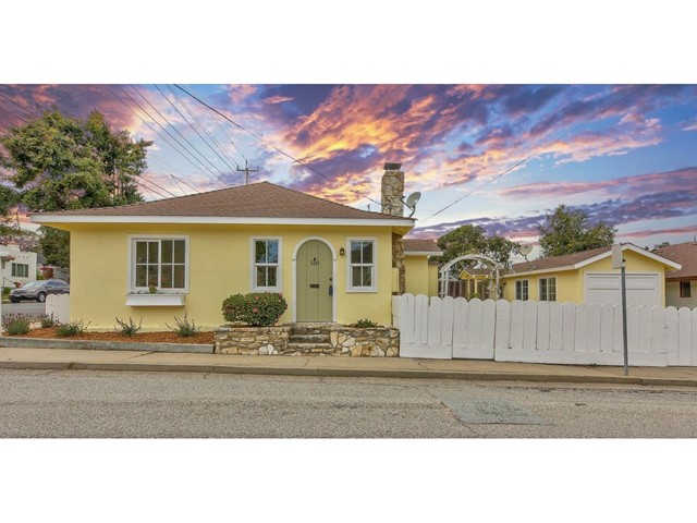 520 18th Street, Pacific Grove, CA 93950
