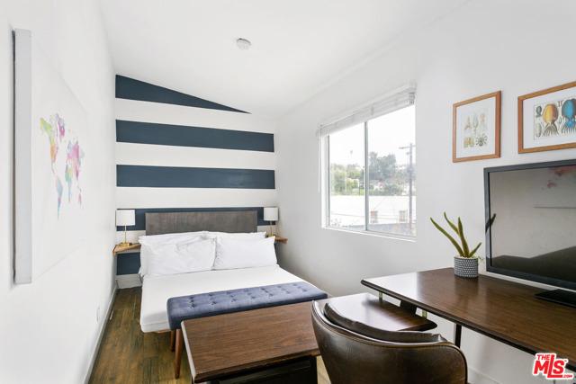 27. 2218 Effie Street Los Angeles, CA 90026