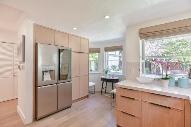 13. 38 Devonshire Avenue #5 Mountain View, CA 94043