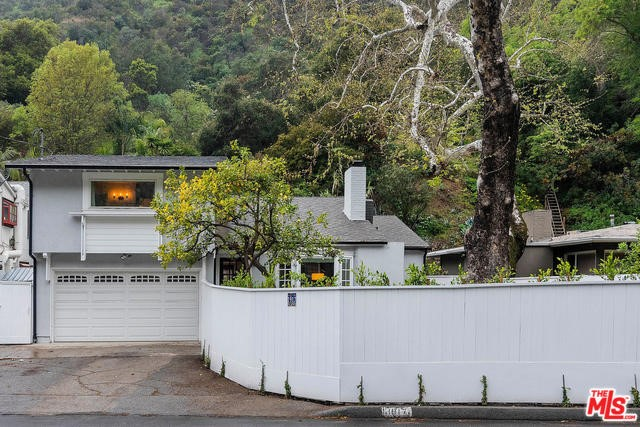 1917 BENEDICT CANYON Drive, Beverly Hills, CA 90210