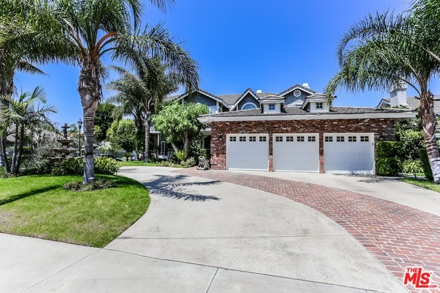 Photo of 18779 WILLOWTREE Lane, Northridge, CA 91326