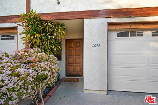 13513 LEMOLI Avenue, Hawthorne, California 90250, 3 Bedrooms Bedrooms, ,3 BathroomsBathrooms,Single family residence,For Sale,LEMOLI,20555554