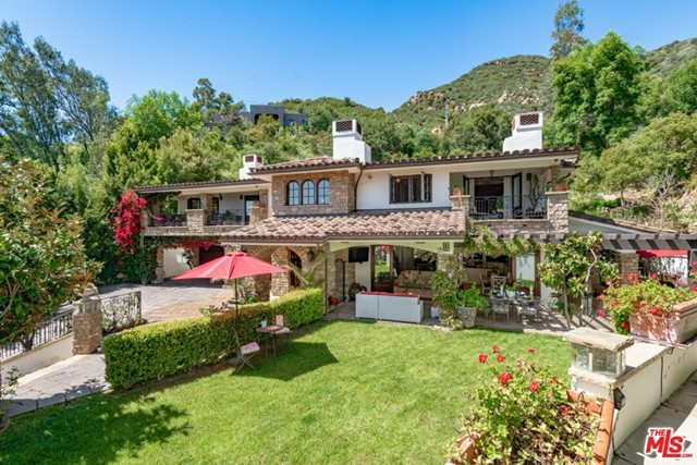 330 E Mountain Dr, Santa Barbara, CA 93108 Photo