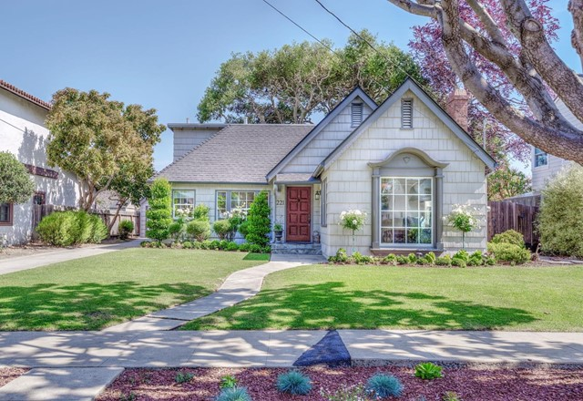 221 Oak Street, Salinas, CA 93901