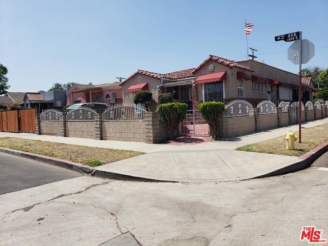 2610 W 65TH Place, Los Angeles, CA 90043