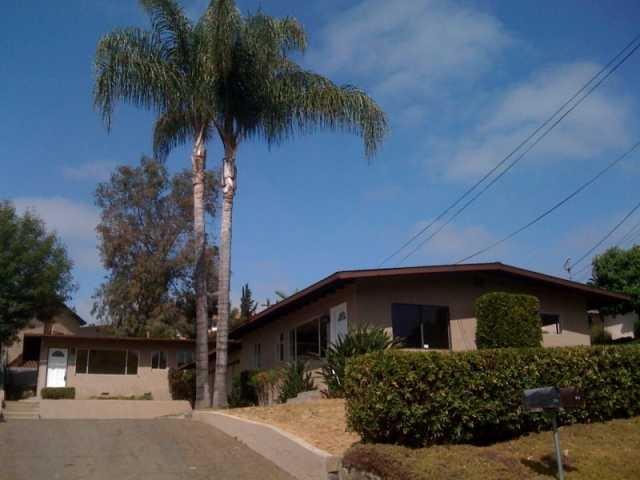 208 Ardys Place, Vista, CA 92084