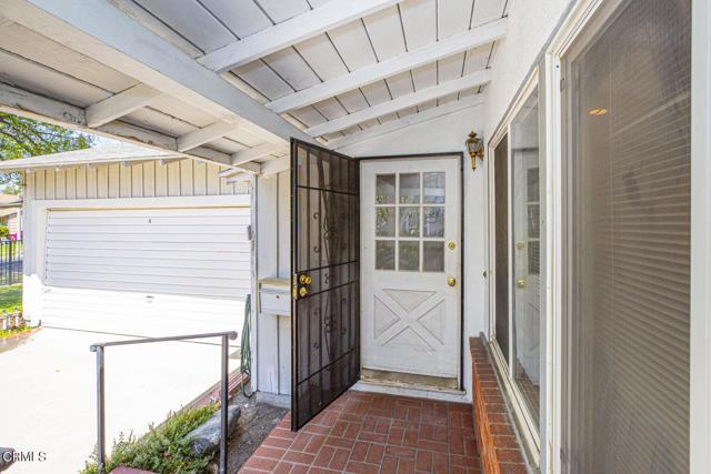 4. 5752 Bucknell Avenue Valley Village, CA 91607