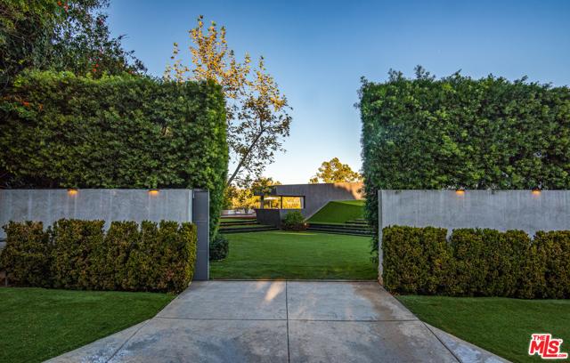Image 6 of 314 N Barrington Ave, Los Angeles, CA 90049