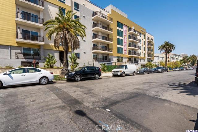 2. 2939 Leeward Avenue #609 Los Angeles, CA 90005