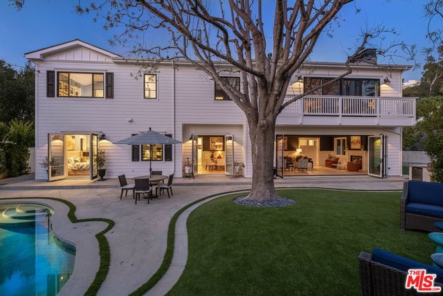 868 N Norman Place, Los Angeles, CA 90049