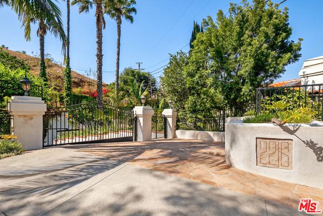 3. 2216 E Live Oak Drive Los Angeles, CA 90068